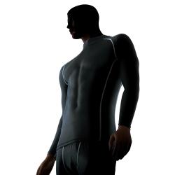 アンダーウェア『パワーストレッチ』:柔軟性のある防寒下着