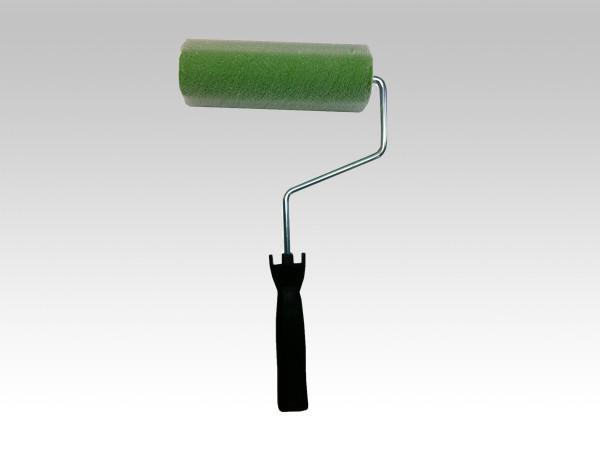強溶剤の塗料や防水材に最適なループローラー。毛抜きも少ないので安心して使用できます。