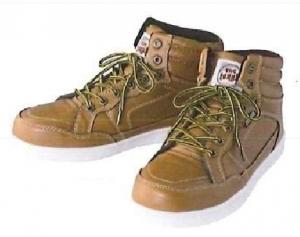 ハイカット・イケてる安全スニーカー:カジュアルな安全靴。そのまま外出出来る見た目。安全靴らしさがない。